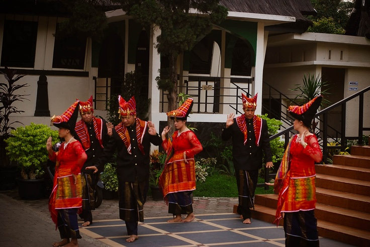 traditional dances batak karo