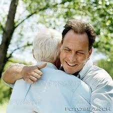 Padre es quien te guía por buen camino, que con amor enseña a sus niños, hombre trabajador de sacrificio, que trata a su familia con cariño. Hombre con virtudes y defectos, tan grande y con corazón…