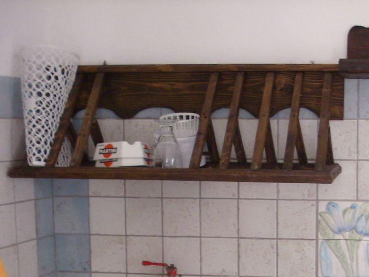 scola piatti in legno