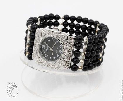Мирабель-бижутерия. Широкий многорядный стильный браслет - наручные женские часы из черного агата, под серебро, фото. Купить черные часы в Москве. Mirabelle. Handmade. Black watch on wide bracelet.