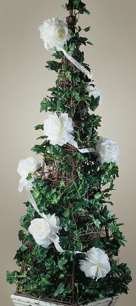 This lovely rose garland will be the perfect touch on your Christmas home decor in any room.
