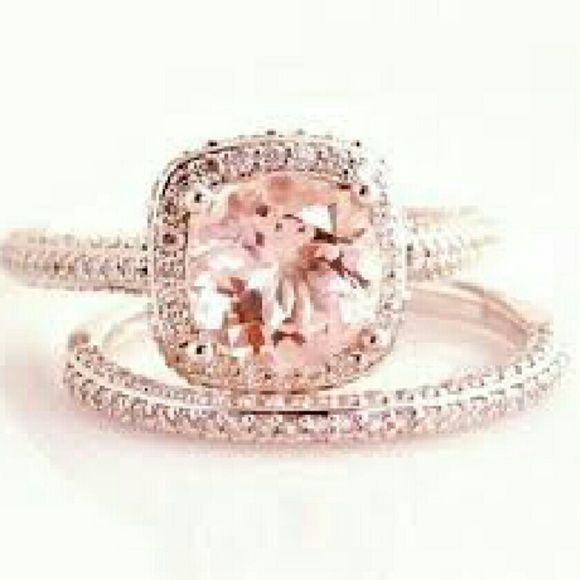 Tiffany and co engagement ring Beautiful 18k rose gold size 7. Tcw is 3.2 carats. Center Is 2carats! Only worn a few times I didn't like just the rose gold. Very beautiful and worth $12000! Willing to trade for high end items. Will sell on another app for lower price Jewelry Rings
