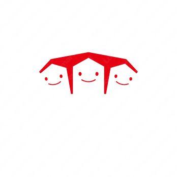 ファミリーとスマイルとキャラクターのロゴ