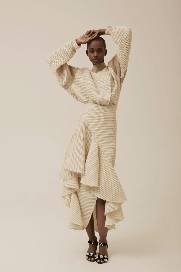 A.W.A.K.E. Fall 2015 Ready-to-Wear Collection Photos - Vogue