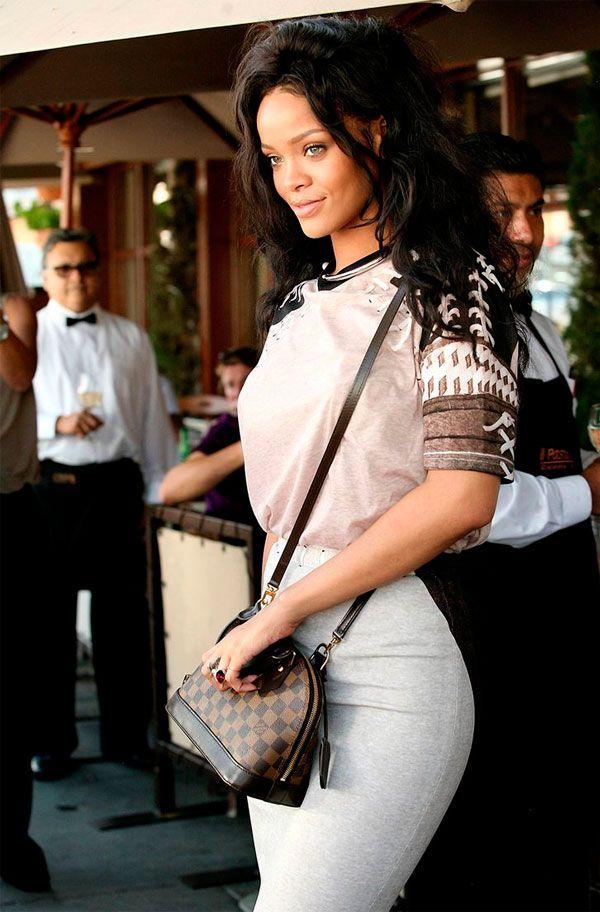 O prêmio para sempre sexy, segundo Victoria's Secret, é de Rihanna.