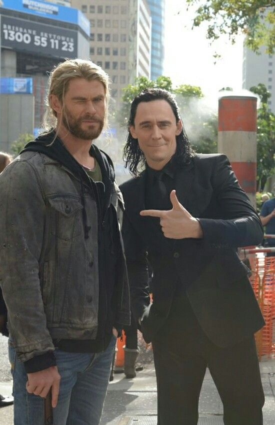 """""""Here's a few photos from the set of #Thor in #Brisbane today. Trying to keep it #Loki"""" https://twitter.com/Daley_Pearson/status/767623841413607424"""