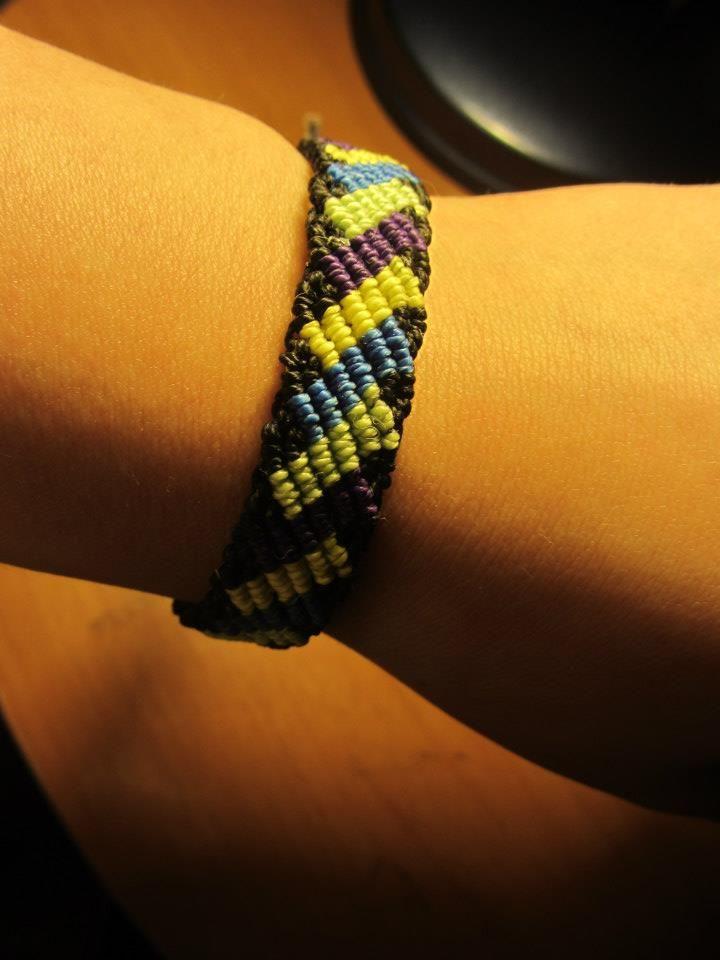 Macrame bracelet/ pulsera de macramé