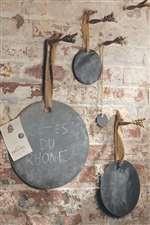 Circle shaped chalkboards with jute ribbon.