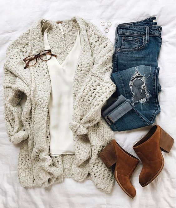 Such a cozy looking sweater!