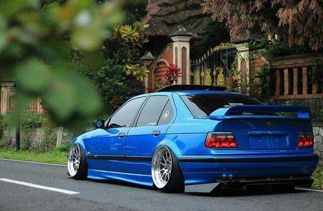BMW E36 3 series blue slammed