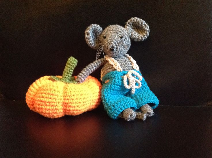 PUMPKIN AND MOUSE CROCHET BY CATERINA VECCHI