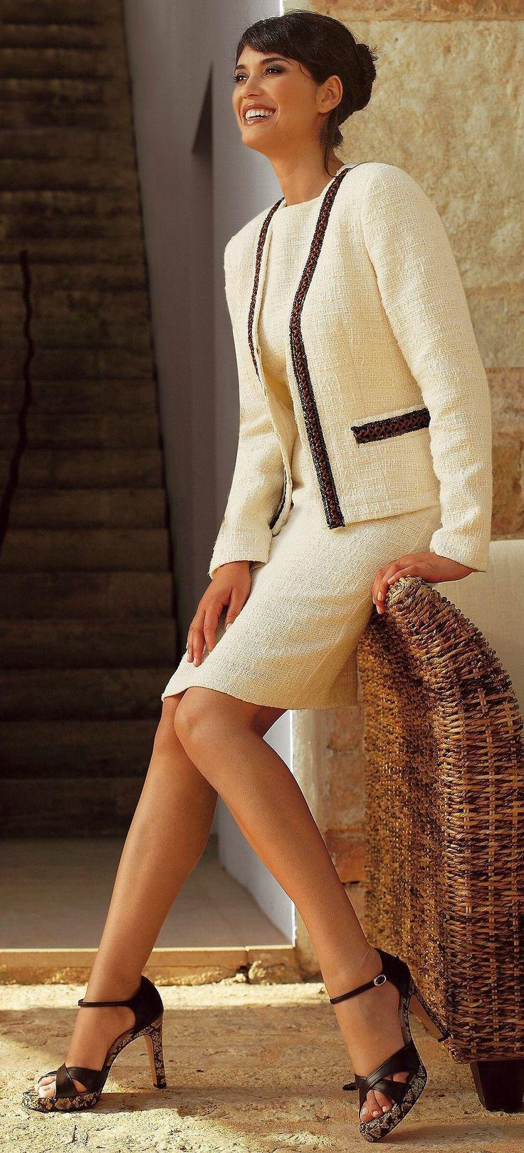 Skirt suits, uniforms, amazing dresses...: Classic suit