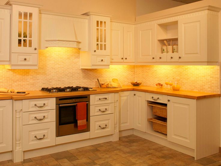 Inspirational retro kitchen design with white rope kitchen cabinet Freistehende K chenschr nkeCreme