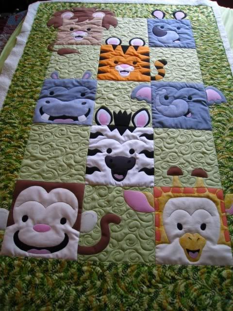 So cute!! Ann VW's Jungle Quilt at pennybubar's.: Friends Quilts, Kids Quilts Patterns, Animal Faces, Jungles Quilts, Kids Quilts Ideas, Baby Animal, Animales Quilts, Baby Quilts Ideas, Animal Quilts