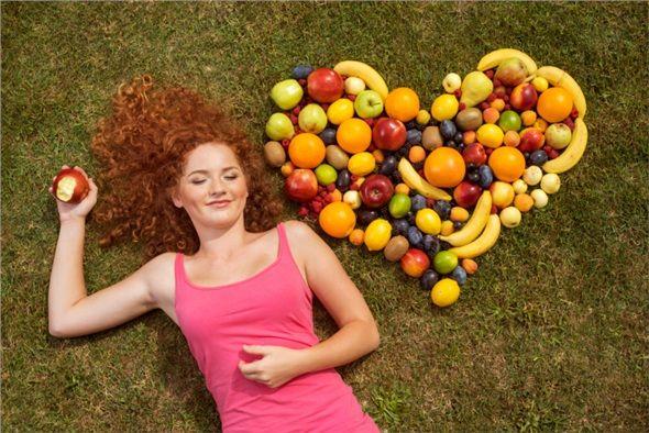 Doğal yiyecekler yiyin. Çünkü doğal olan sizi tatmin eder ve bedeninizi doyurur.