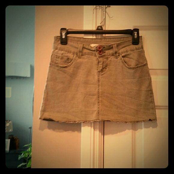Charlotte Russe kaki Jean strechie mini skirt Charlotte Russe kaki Jean strechie mini skirt, Size 3. Perfect condition! Looks Hot on!  #greatdeal #hotlook #UwilllookMarv #sweetnsexy Charlotte Russe Skirts Mini