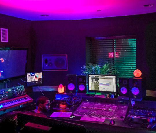 Sleazeburger in Paradise Neon room Home studio music