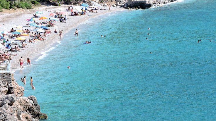 Οι παραλίες της μονοήμερης. Πήγαμε σε Πάχη, Σχίνο, Αλεποχώρι, Ψάθα, Πόρτο Γερμενό και γυρίσαμε με νέα.