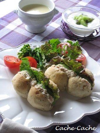 Cache-Cache+ : ちぎりパンで ツナ&アボカドサンド と さつま芋のポタージュの朝食♪