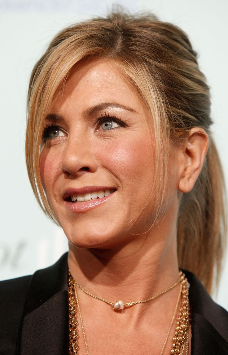 radiant, fresh faced-makeup Jennifer Aniston-Love, love her hair, I can never get my ponytails to look like that!