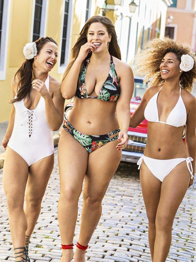 While it's not the first time we've seen Ashley Graham in the Sports Illustrated Swimsuit Issue, it is the first time the first time non-models have graced the pages in their swimwear—even in an ad.