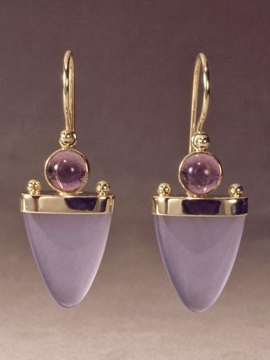 14k+gold+earring+with+chalcedony+and+amethyst+by+Patrick+Murphy.jpg (379×504)