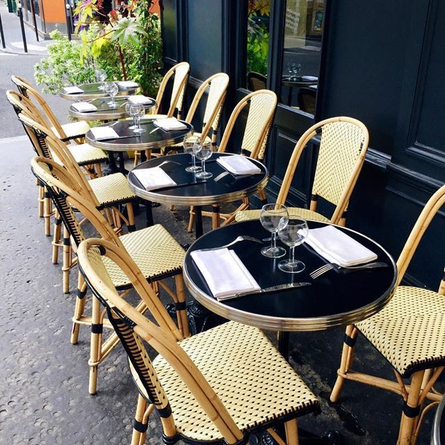 die besten 25 franz sische bistrost hle ideen auf pinterest bistro st hle franz sisches. Black Bedroom Furniture Sets. Home Design Ideas