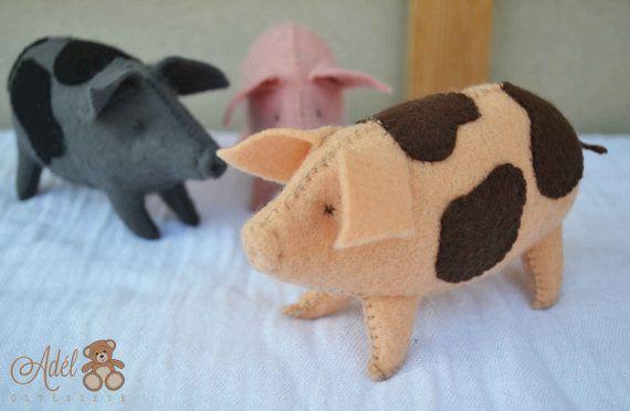 Pig Felt pig waldorf toy felt farm animals by AdelOlteszet