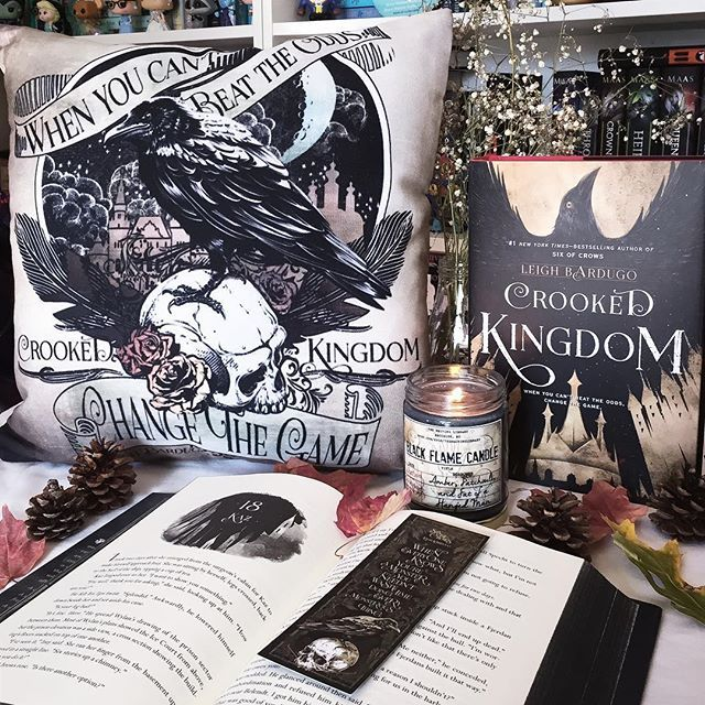 BUY ME THIS CUSHION AND THE BOOKMARK AND THE CANDLE AND EVERY FREAKING MERCHANDISE FROM THE BOOOOKK