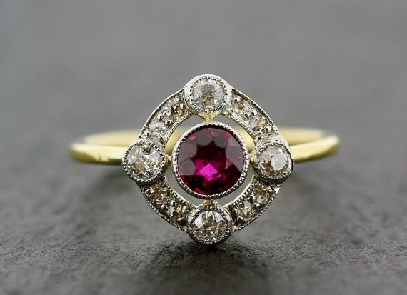 Bague de fiançailles Art Deco antiques - Art déco Ruby & Diamond Engagement Ring 18ct Gold et Platinum