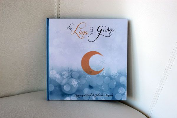 Oggi sul blog vi presento le immagini e un estratto dell'Engagement Book di G. e S., uno dei miei lavori invernali. Buona lettura e buona visione!