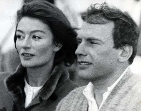 Un homme et une femme... À Deauville si je me souviens bien :)