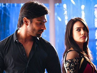 Qubool Hai sets catches fire, again!