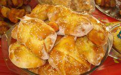 Αυτό το κέικ δίνει ατόφια τη γεύση της κλασικής σπανακόπιτας με ελάχιστο κόπο και χωρίς να διεκδικεί το ταλέντο της νοικοκυράς στα μυστικά του πλάστη.        italianchips    Υλικά        250γρ. αλεύρι για όλες τις χρήσεις  2 κουτ. γλυκού μπέικιν πάουντερ  4 αβγά  1