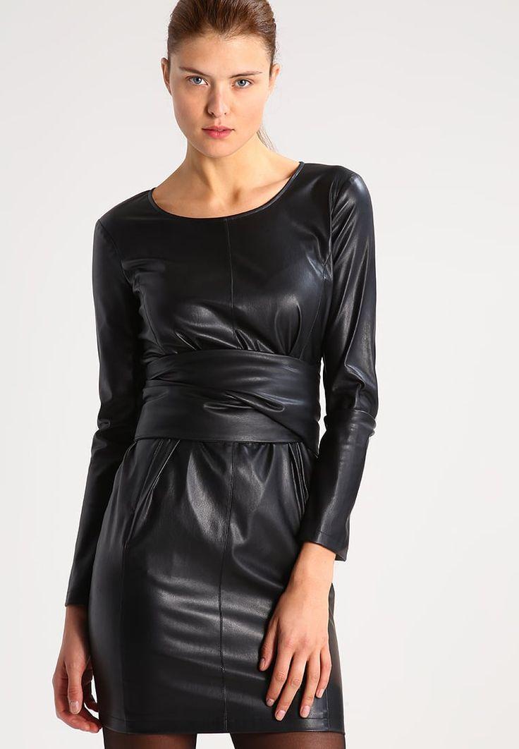 Patrizia Pepe Cocktailkleid / festliches Kleid - nero für 224,95 € (24.05.17) versandkostenfrei bei Zalando bestellen.