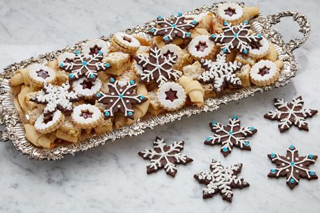 We love these cookie hacks from master pastry chef Anna Olson, who always has her holiday baking under wraps!