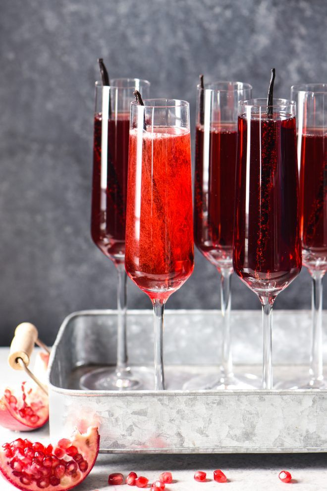 Pomegranate Vanilla Sparking Wine Cocktails - 3 ingredients + 5 minutes = this festive, fruity, bubbly cocktail. Cheers! | foxeslovelemons.com