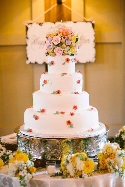 Great cake! #grotonma #barnatgibbethill #gibbethill #barnwedding #rusticwedding