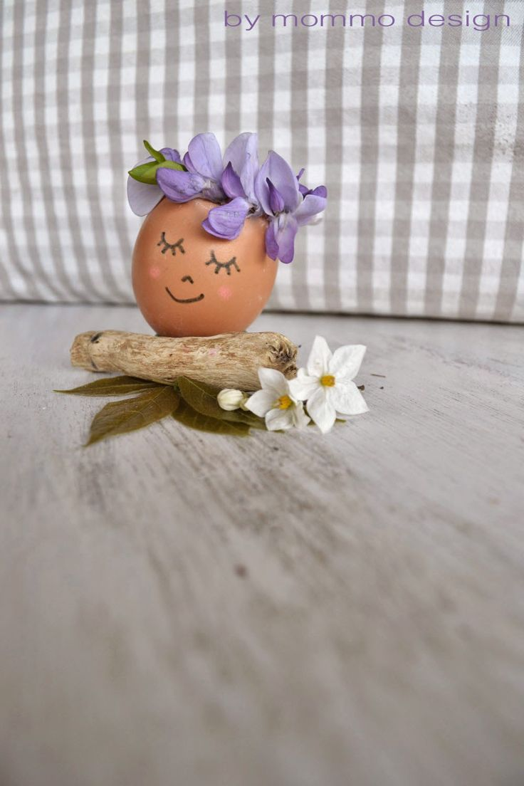 mommo design: FLOWERS AND EGGS - DIY Wisteria Wreath Crowned Easter Egg