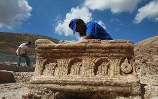 ΚΟΝΤΑ ΣΑΣ: ΦΟΒΕΡΗ ΑΝΑΚΑΛΥΨΗ! Αρχαιολόγοι βρήκαν πράγματα από ...