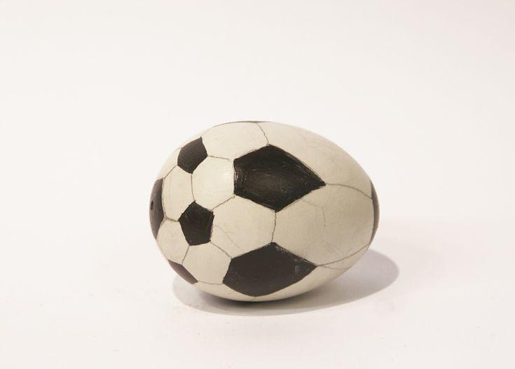 """Football Egg"" by Gavin Turk (2002)"