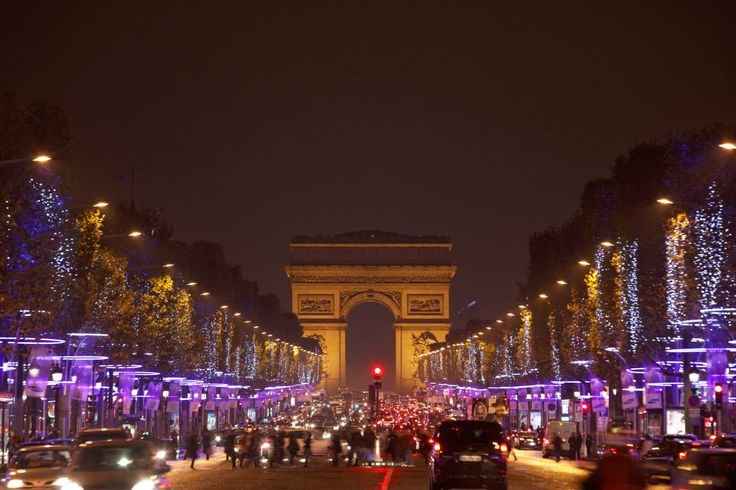 Avenue des Champs-Élysées in Paris, Île-de-France