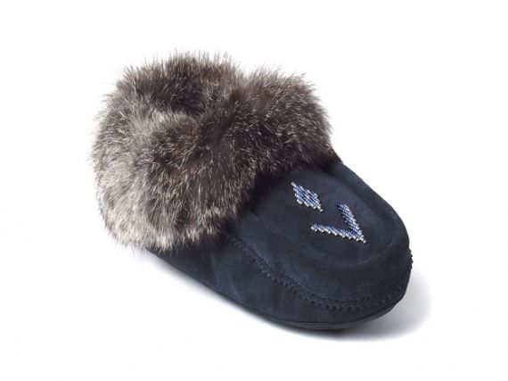 These moccasins will keep your feet toasty warm! TIPI MOCCASIN (NAVY), $65, MANITOBAH MUKLUKS RETAILERS ACROSS CANADA #mukluks #canadianfashion #aboriginal