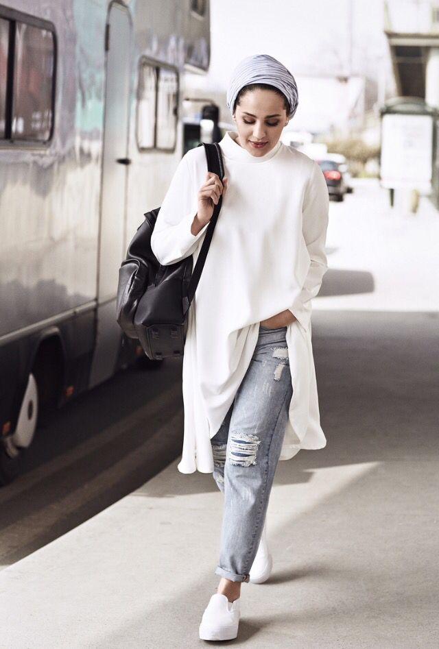 Ascia AKF | gray turban + long white chiffon shirt + ripped boyfriend jeans + oversized black bag + white slip-ons