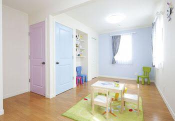お風呂ドア→ピンク トイレドア→水色 とかどうかなー