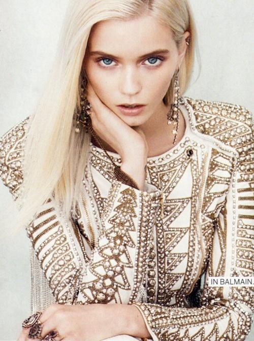white jacket with gold detailsBalmain, Hair Colors, Fashion Style, Abbeyleekershaw, Pink Hair, Pinkhair, Pastel Pink, Beautiful, Abbey Lee Kershaw