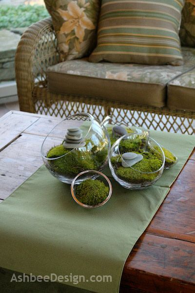 Lovin this simple and easy moss display for springtime. Very zen...