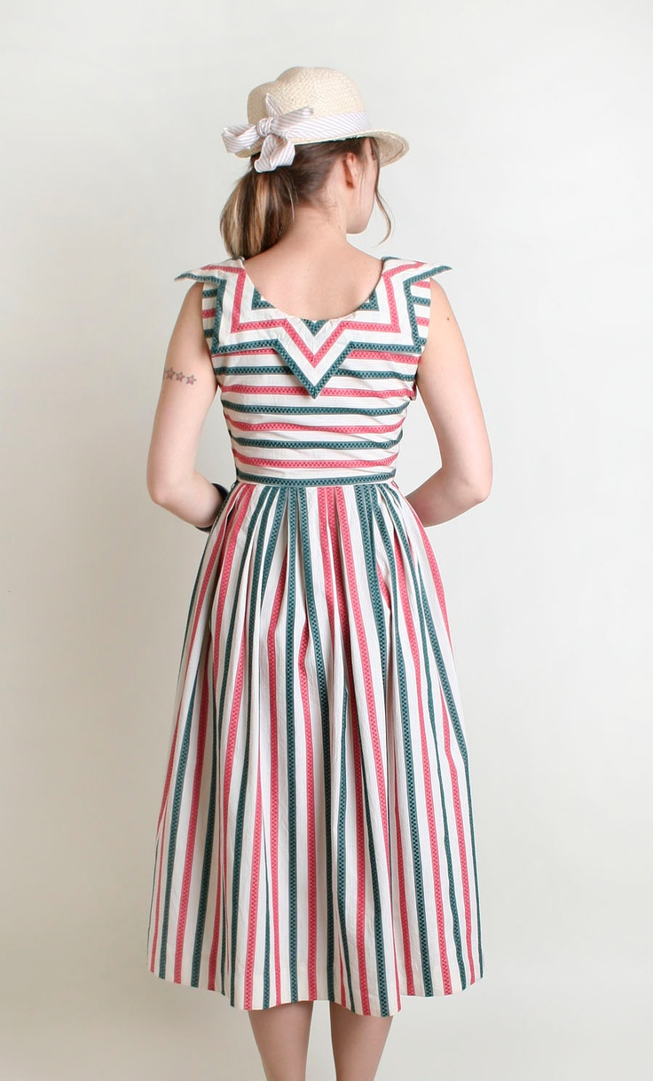 Vintage 1950s Dress - Candy Cane Striped Carnival Pointy Collar Tea Length Dress - Small.