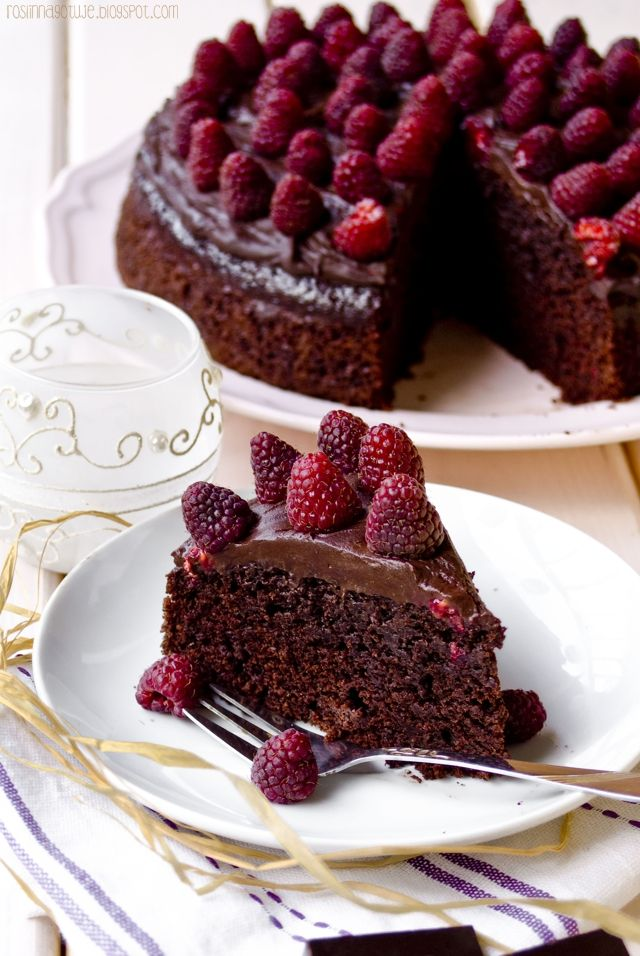 Roślinna - blog wegański: Wegański tort czekoloadowo-malinowy