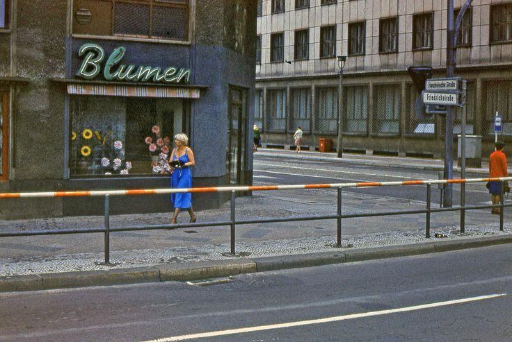 DDR, Berlin Friedrichstraße Ecke Französische Straße, 1980
